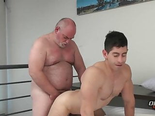 Bear Daddy – To Much Excitement
