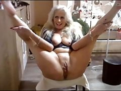 the best hottest mature woman in front of camera i've seenfree full porn