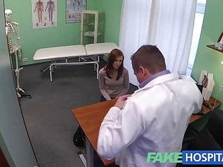 Fake Hospital Innocent rossa ottiene una prescrizione di creampie