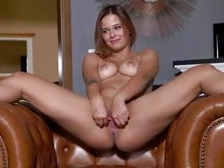 German Fingering porno: fleshy open cunts