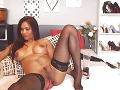 Sweetheart Leilani, Frolicking With My Marvelous Bod & Marvelous Eyes
