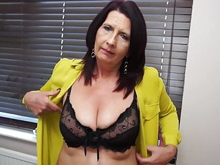 Busty Mature Mom Feeding Her Hungry Pussy
