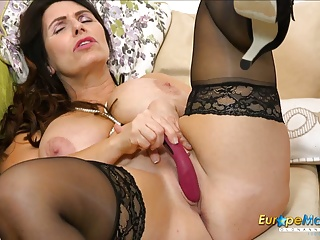 Her Fantasies Lady and Mature EuropeMaturE Solo