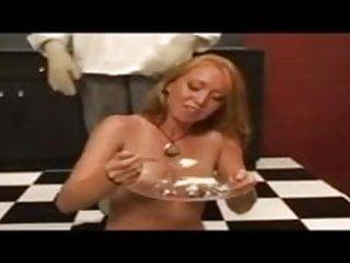 Die Frau hat hunger egal was es ist   guten hunger du luder!