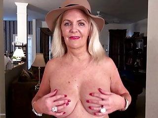 La vecchia nonna sexy ha bisogno di una bella scopata
