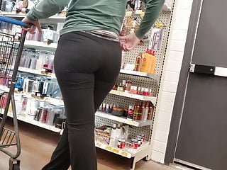 Yoga pants caught squatting