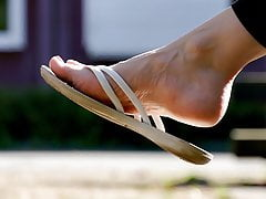 Feet 060 - Girls Soles Exposed While Wearing Flip Flops
