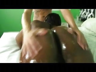 Plump black babe ms cakes shakes her huge...