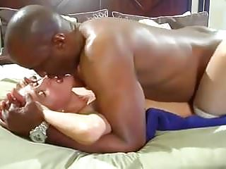 This is how a married women should be fucked..mp4