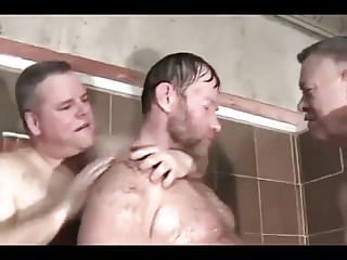 Cruising goes to gym shower...