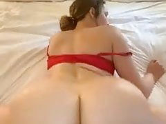 Thick booty ass surfing a long ice cock!
