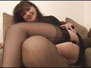 i love sexy mature women...