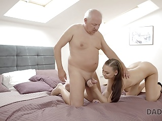 finds right young lovely to seduce a DADDY4K Daddy moment