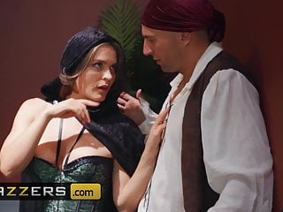 Krissy Lynn Stirling Cooper – MILF Witches Part 2 – Brazzers