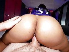 Big round butt Thai amateur body massage with happy end