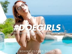 Doegirls Solo Summer Joy By The Pool With Mind-blowing Margout Darko