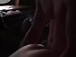 Schlampe wird im Wohnwagen abgefickt - Bild 7