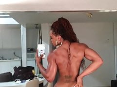 Solo fbb shaking her ass viewed in mirror