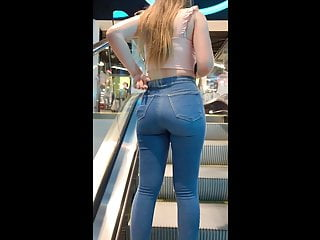 British Voyeur Pov video: Classic Candid Ass: British Teen in Jeans!