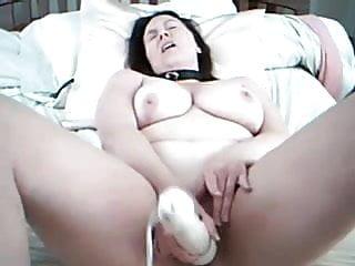 Collared BBW masturbates
