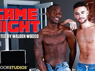 2 Ebony Hotties Beaux Banks and Miller Axton Fuck Raw