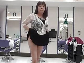 Horny chinese woman show pussy in salon...