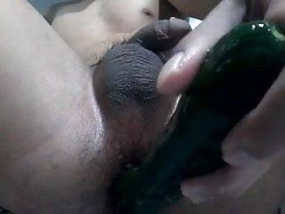 Singapore guy cucumber dildo part3...