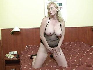 Hot mature milf mom bbc anal...