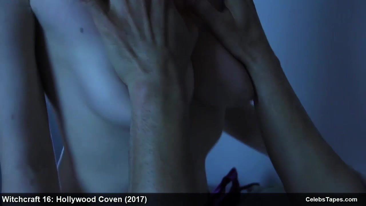 Nackt Stephanie Beaton  Stephanie Beaton,