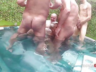 Outdoor gangbang in a pool with Lola Devil und Ale
