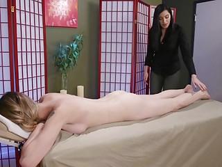 Ts fucks her masseuse cassandra cain...