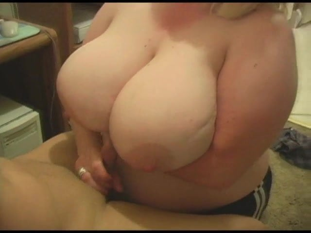 Huge Natural Boobs Cam Show
