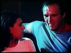 greek porn oi kamparetzoydes (1986)