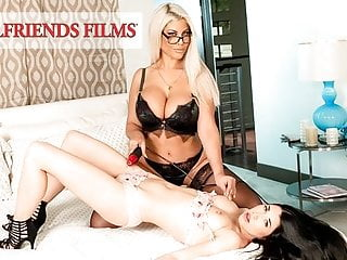 GirlfriendFilms – Lesbian Dom Cums With Her Younger Consumer