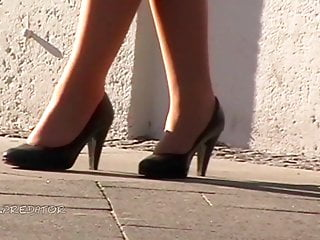 Random women in heels no. 197