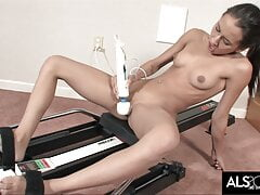 Amia Moretti Gets Off with Hitachi After Workout Session