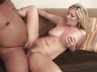 Sexy amp housewife boobs gets the cock...